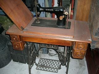 Mobili per ufficio arredi e attrezzature bar e - Mobili per macchine da cucire ...